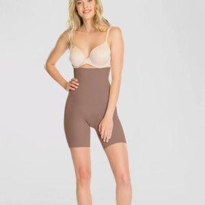 Assets by SPANX Body Shapewear. Size L NEW w/tags